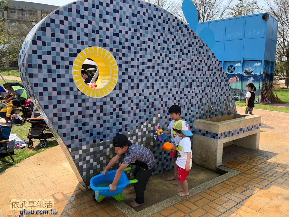苗栗貓裏喵親子公園洗手洗腳台