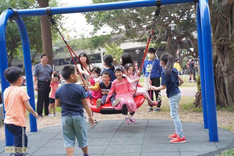 新竹綠光公園鳥巢鞦韆