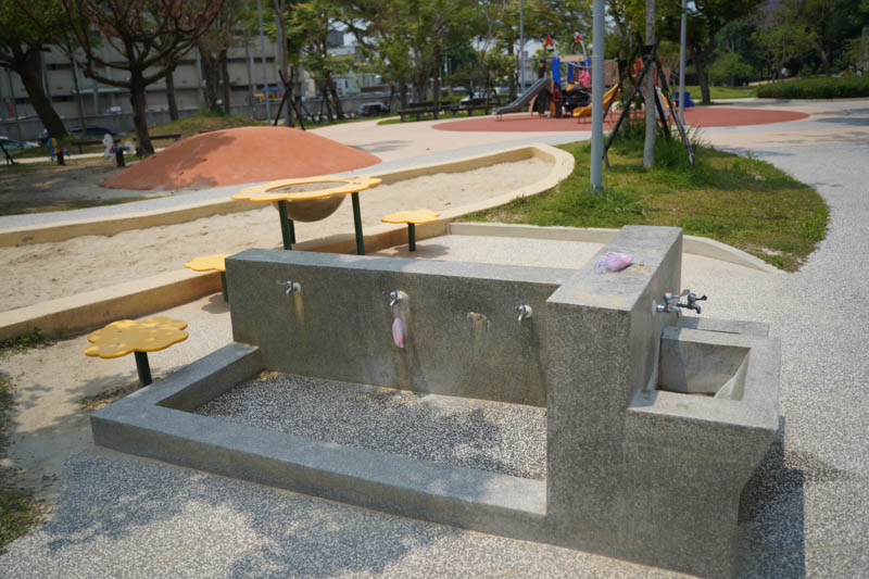 新竹公園大沙坑洗手台