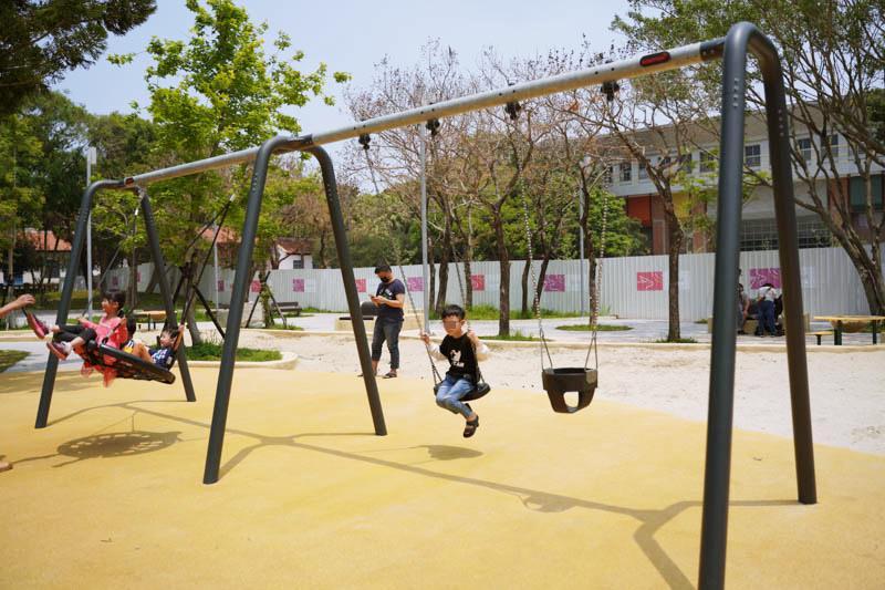 新竹公園大沙坑特色遊戲場盪鞦韆