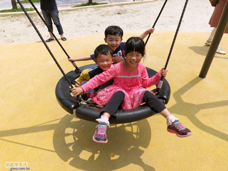 新竹公園大沙坑特色遊戲場鳥巢鞦韆
