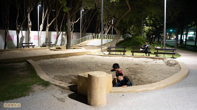 新竹公園大沙坑特色遊戲場沙坑夜拍