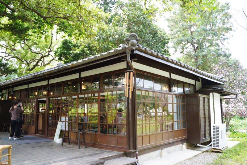 新竹公園湖畔料亭 閱樂書店x飲咖