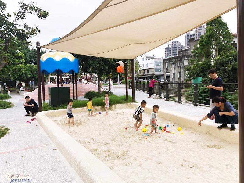 新竹竹東中正公園(兒童公園)沙坑