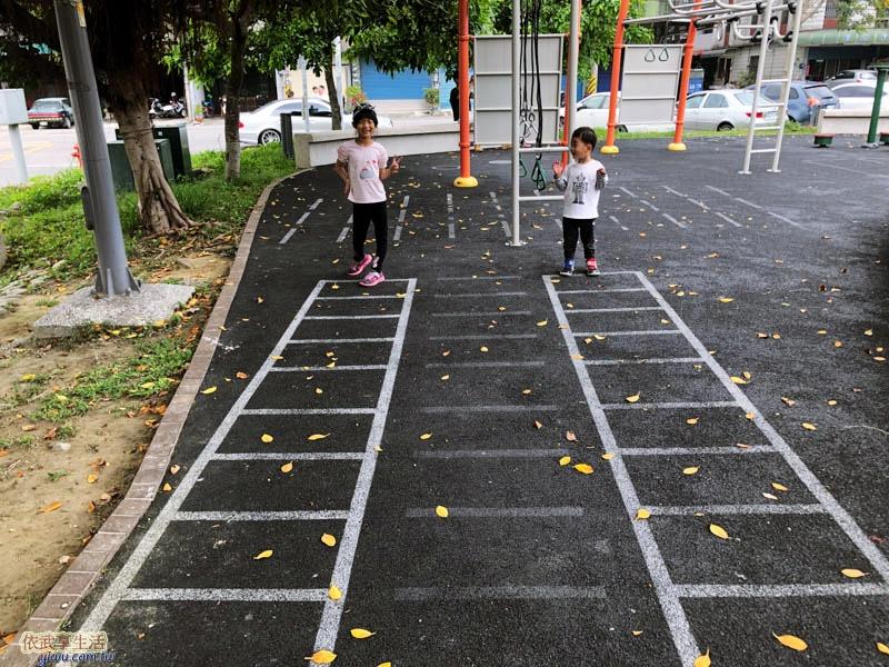 新竹竹東中正公園(兒童公園)梯子格子