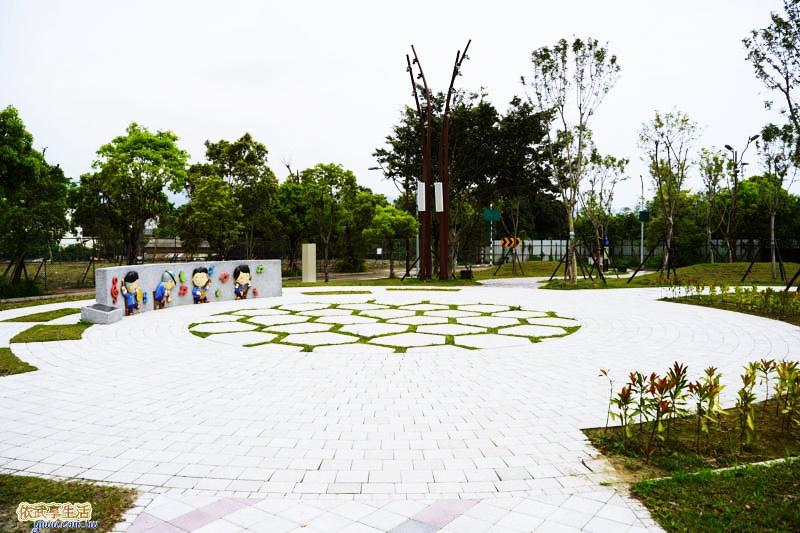 新竹竹東台泥公園藝術花廊