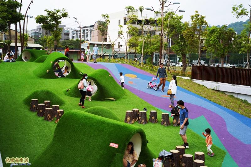 新竹竹東台泥公園草皮水管涵洞