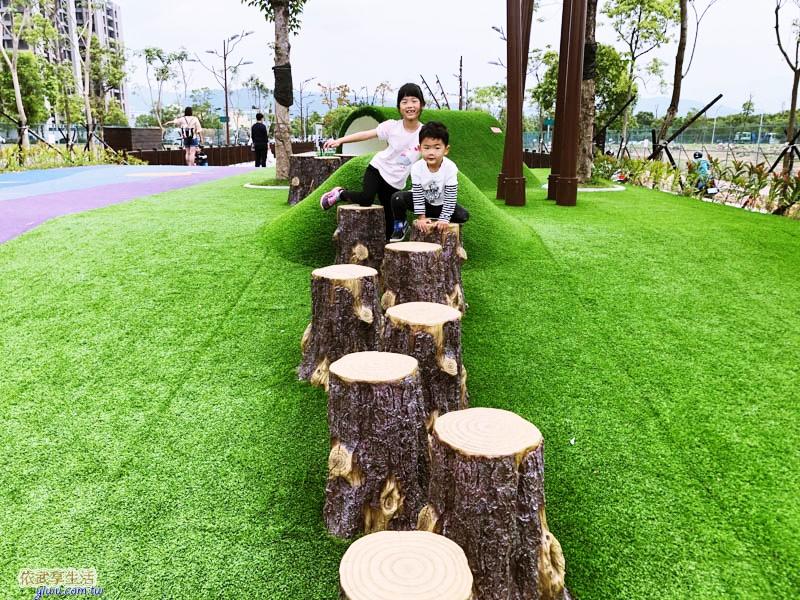 新竹竹東台泥公園草皮水管涵洞木樁