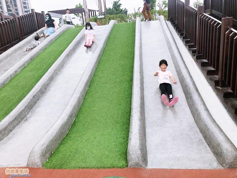 竹東台泥公園磨石子溜滑梯