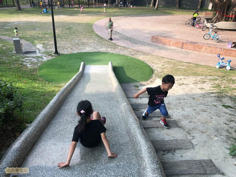 長和公園磨石子溜滑梯