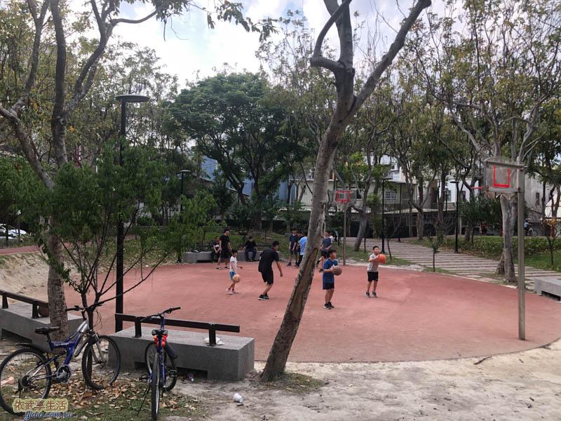 長和公園籃球場