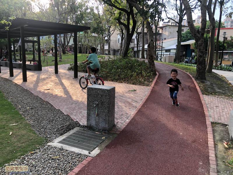 長和公園慢跑道
