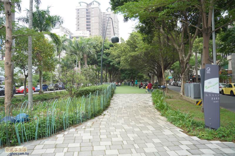 隆恩圳親水公園水草欄杆