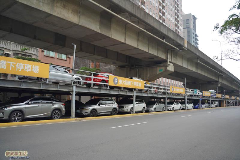 隆恩圳親水公園停車場