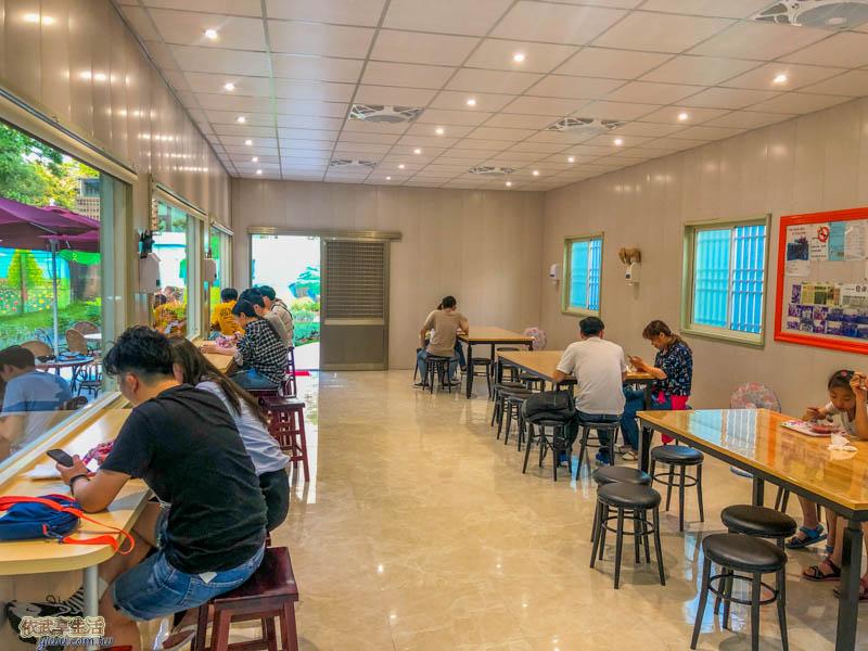 田庄桑椹冰店用餐區