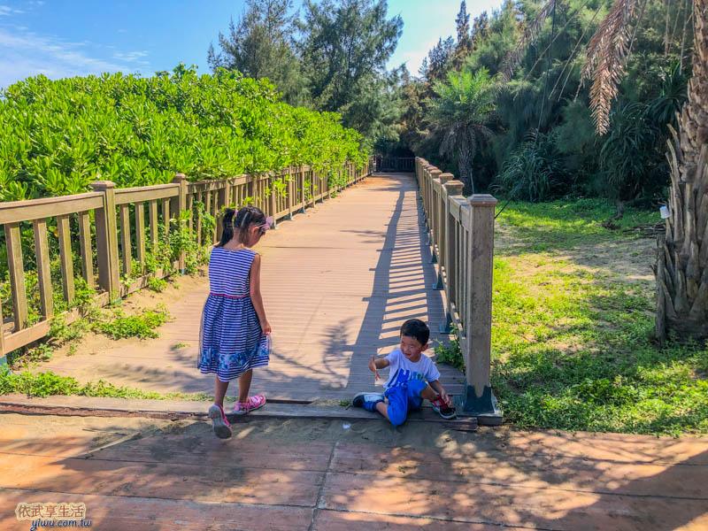 新月沙灣木棧步道