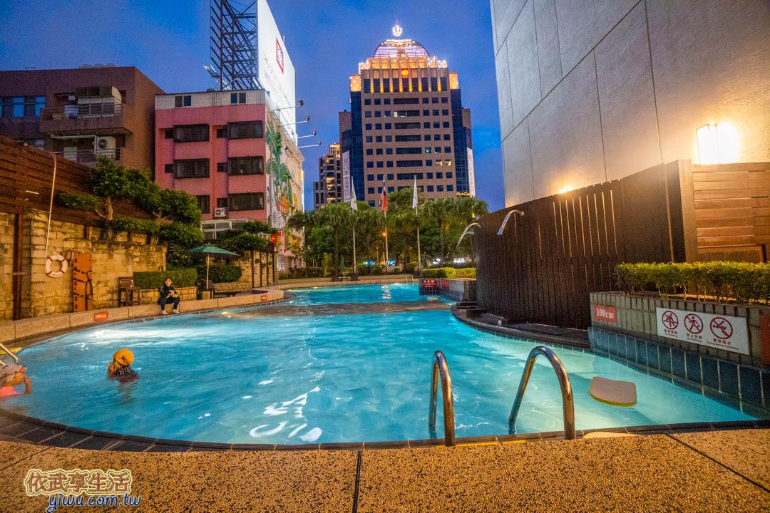 長榮桂冠酒店台中游泳池
