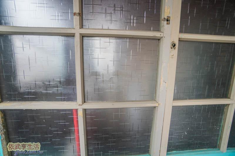 風城之月停車場玻璃