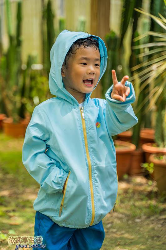 UV100涼感連帽輕薄外套-童