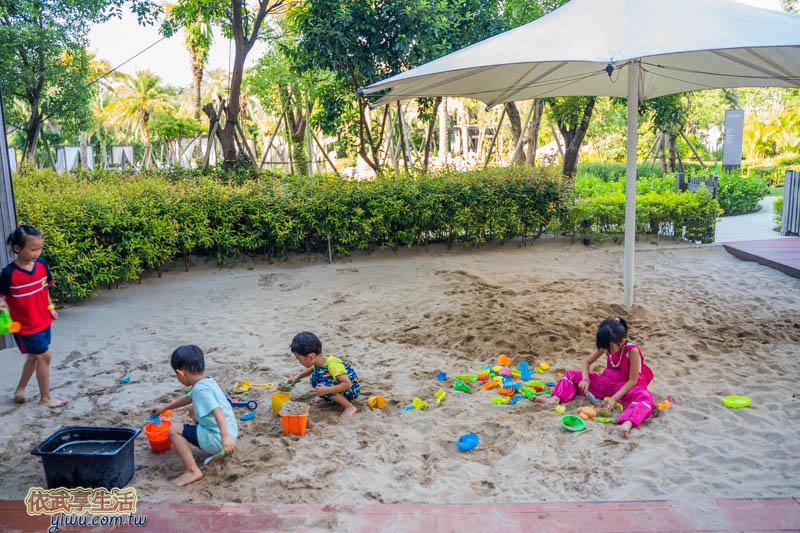 〔心得〕玩沙衣服好用嗎?9個優缺點+公園沙坑實穿心得評價分享