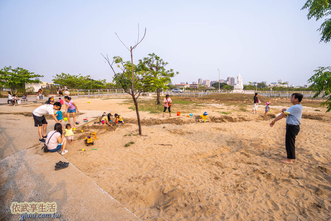 安平鹽神白沙灘公園