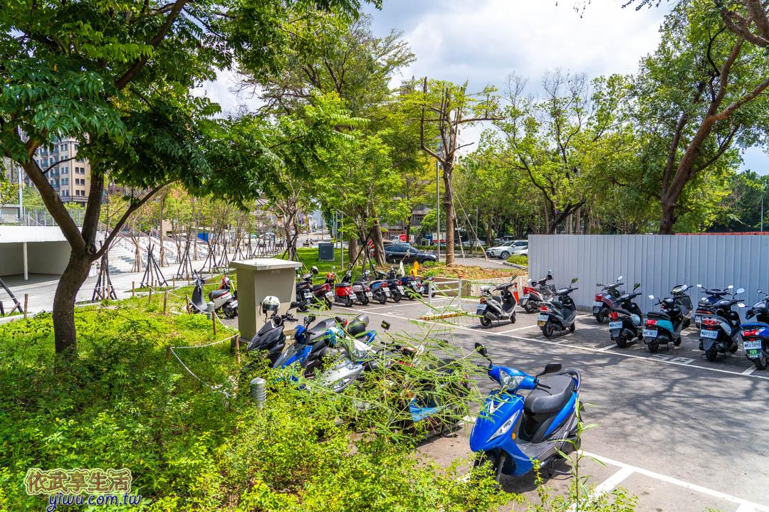 星巴克新竹動物園停車