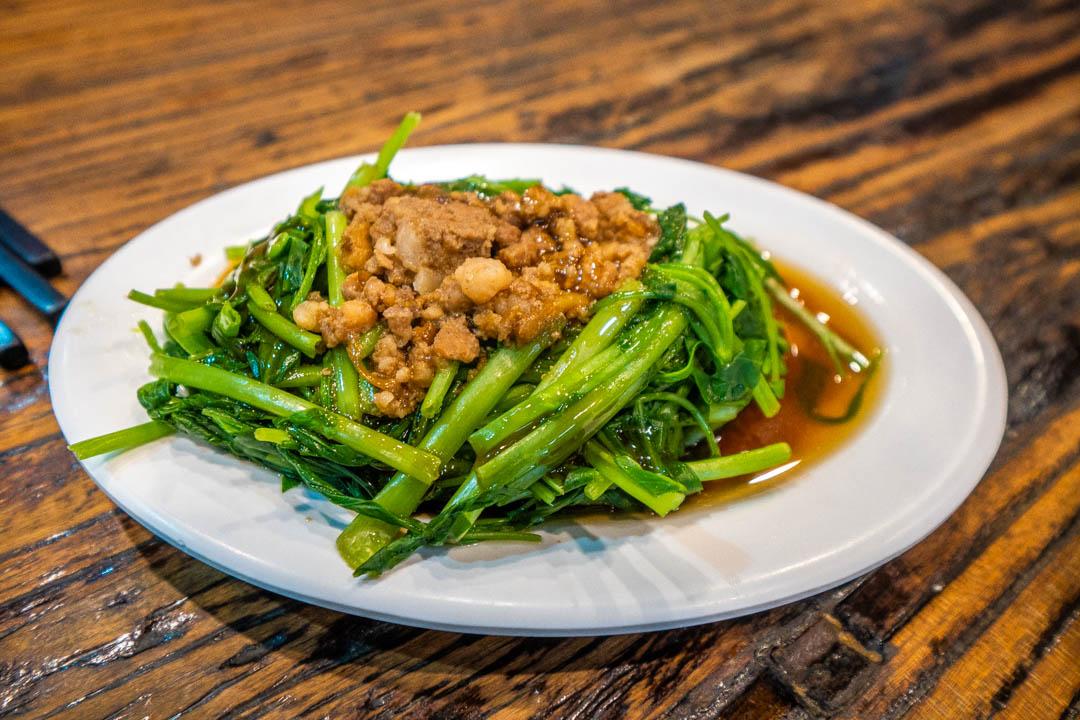 竹東排骨酥麵青菜