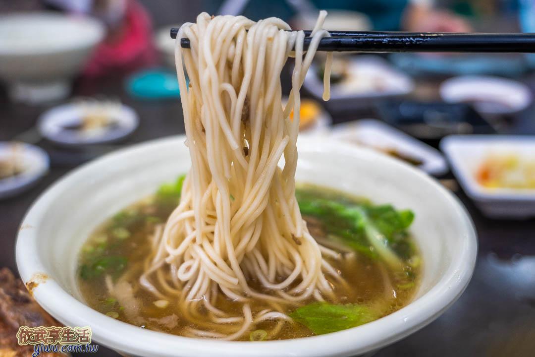 上海好味道小籠湯包榨菜排骨麵